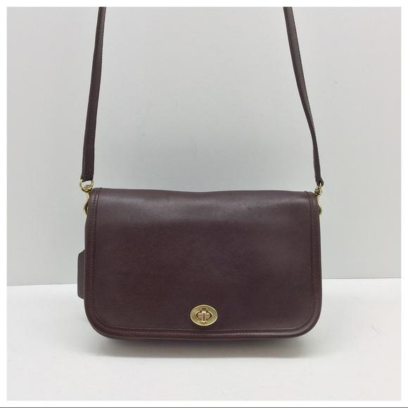 a72cc2c12982 Coach Handbags - Vintage Coach Pocket Purse  9755